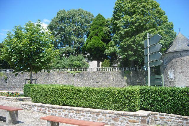 k-02_Schloss Pompadour1