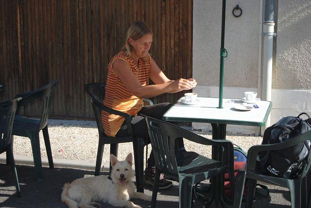 k-17_Mary und Emma im Cafe