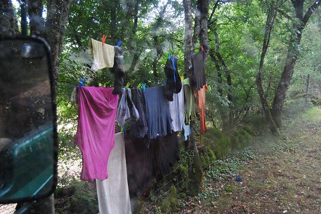 k-35_Versuch Wäsche zu trocknen
